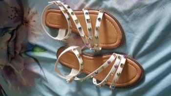 UUED sandaalid s. 37