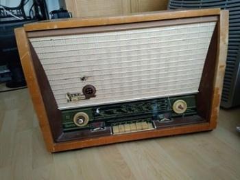 Vana raadio-plaadimängija