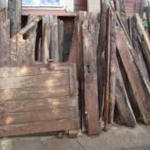 Vana puit, vanad mööbli jupid, uksed, aknad
