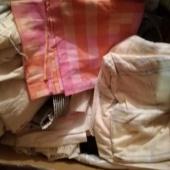 Suur kastitäis kasutatud tekstiili...