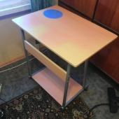 töötuppa - arvuti/kirjutuslaud, väljatõmmatava riiuliga