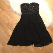 Õlapaelteta kleit xs