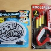 Mänguasjad - noolepüstol ja LED-valguskarp