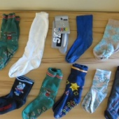Kümme paari laste sokke, parajad jalanumbrile 27 - 30