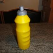 Plastist joogipudel