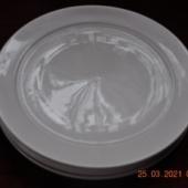 4 suurt taldrikut