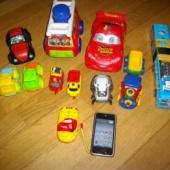 Mõned mänguasjad poisile.