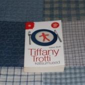 Tiffany Trotti katsumused - ajaviiteromaan