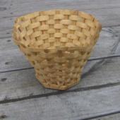 Vana korv-lillepott
