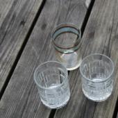3 väikest klaasi