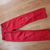 134 punased püksid