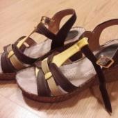 Naiste sandaalid 37